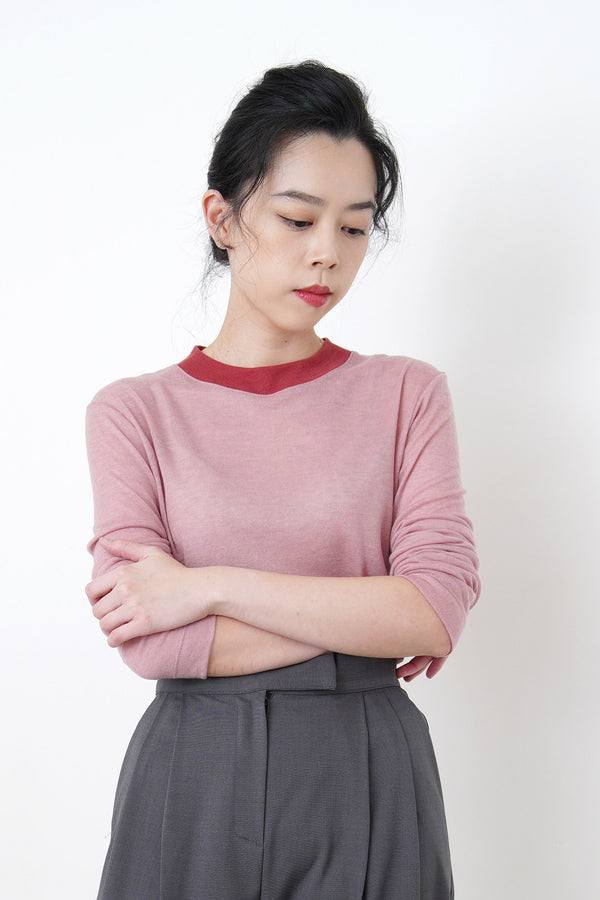 Duo tone cotton top in contrast collar