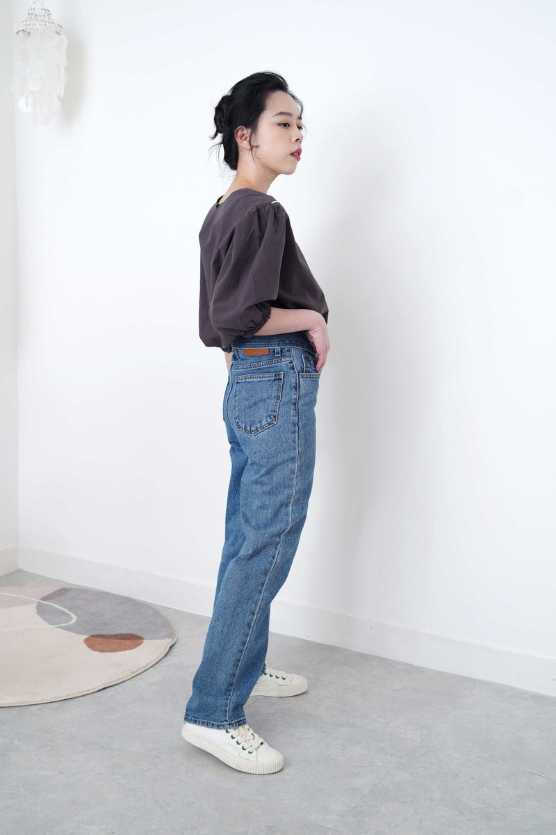 Blue straight cut denim with detail waist layering