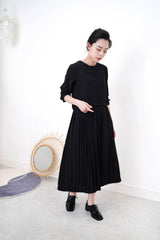 Black smooth dress in layering