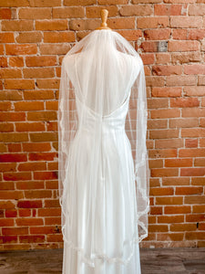 "Single Layer Ivory 45"" Veil w/ Lace Appliqué- Briony"