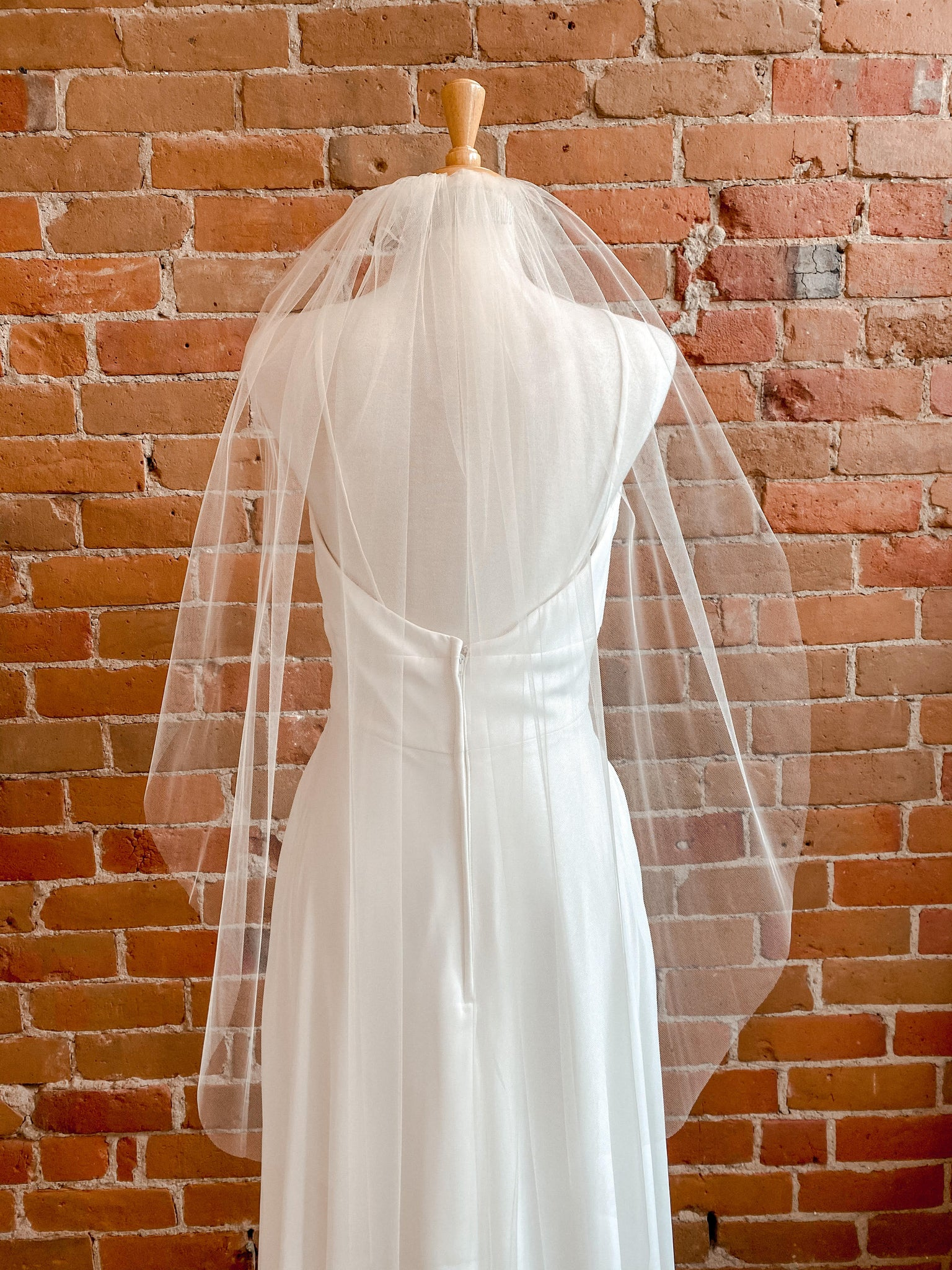 Rough Edge One Layer Champagne Veil- Molly