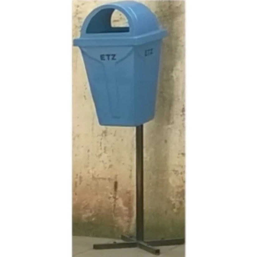 Dome Dustbin with 5ft pole