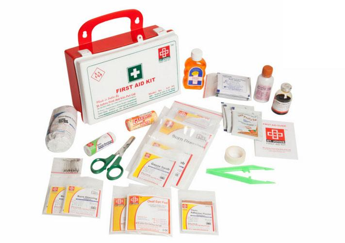 First Aid Workplace Kit  Small - Plastic Box Wall Mounted - 69 Components