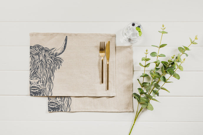 2 Highland Cow Linen Place Mats