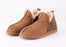 Load image into Gallery viewer, Shepherd of Sweden Annie Slipper - Leopard Chestnut