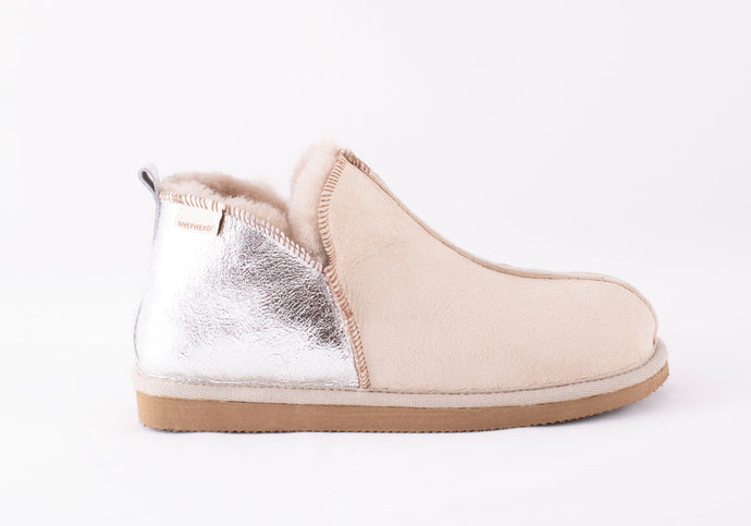 Shepherd of Sweden Annie Slipper - Honey & Silver