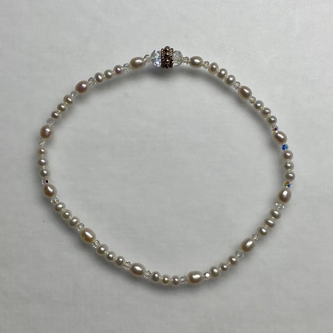 Arpaia stretch bracelet with baby pearls & crystal