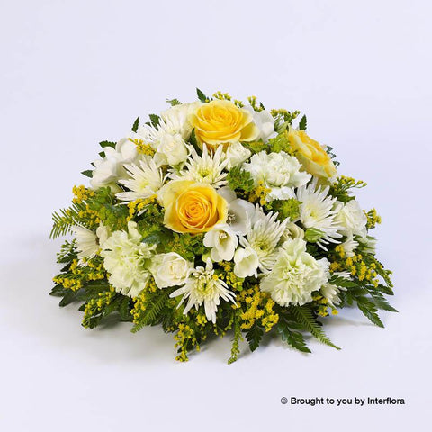 Large Classic Yellow and White Posy