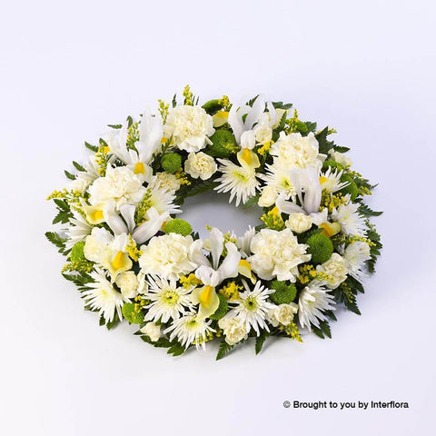 Extra Large Classic Selection Wreath Yellow and Cream