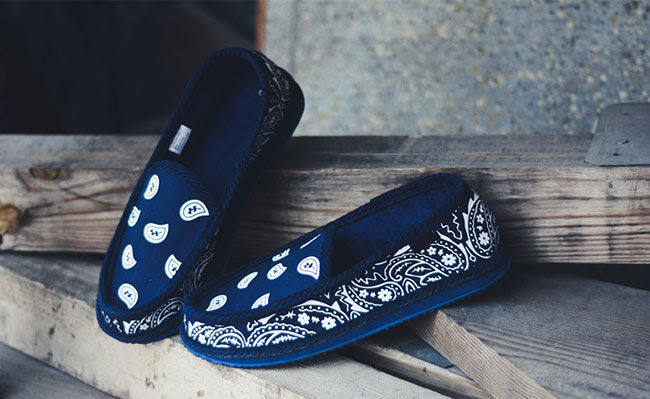 You Gots To Chill Navy Blue Bandana Slippers