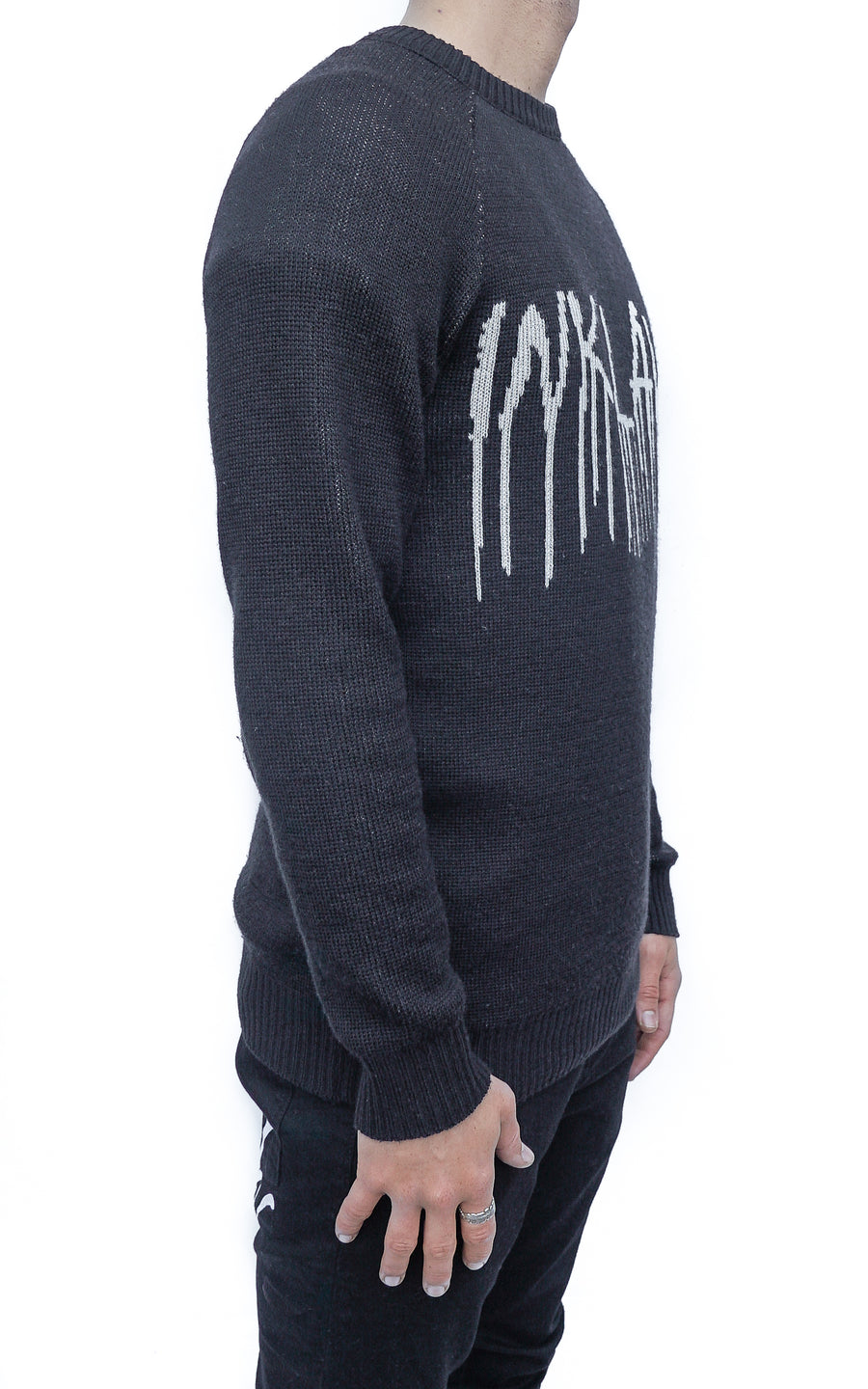ONYX TEAR KNIT SWEATER - BLACK