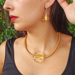 Model wearing GLITTER CRYSTAL GOLD 24kt gold leaf modern murano glass necklace and SPARKLE earrings, handmade in Italy