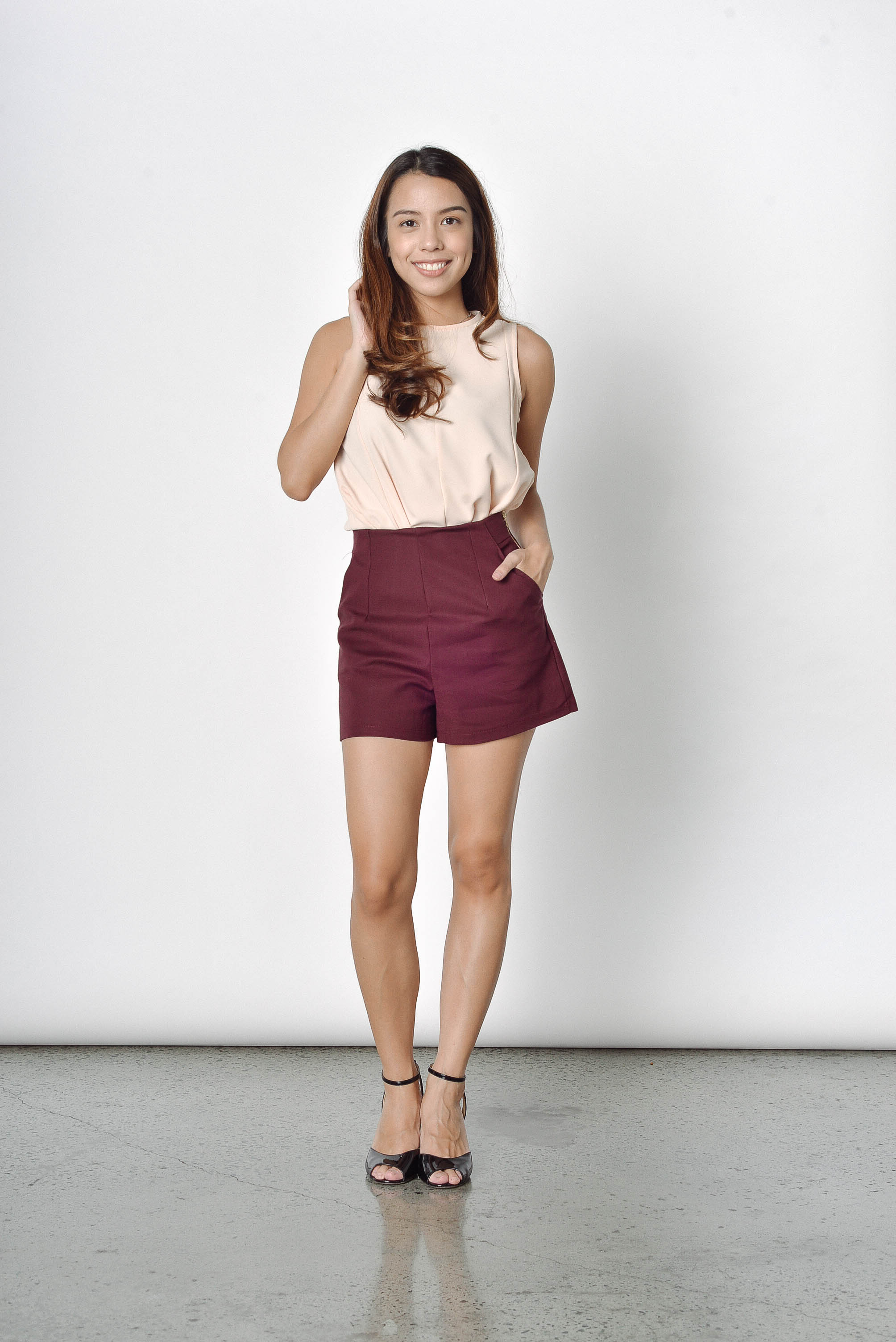 Avril Side Zip Shorts in Maroon