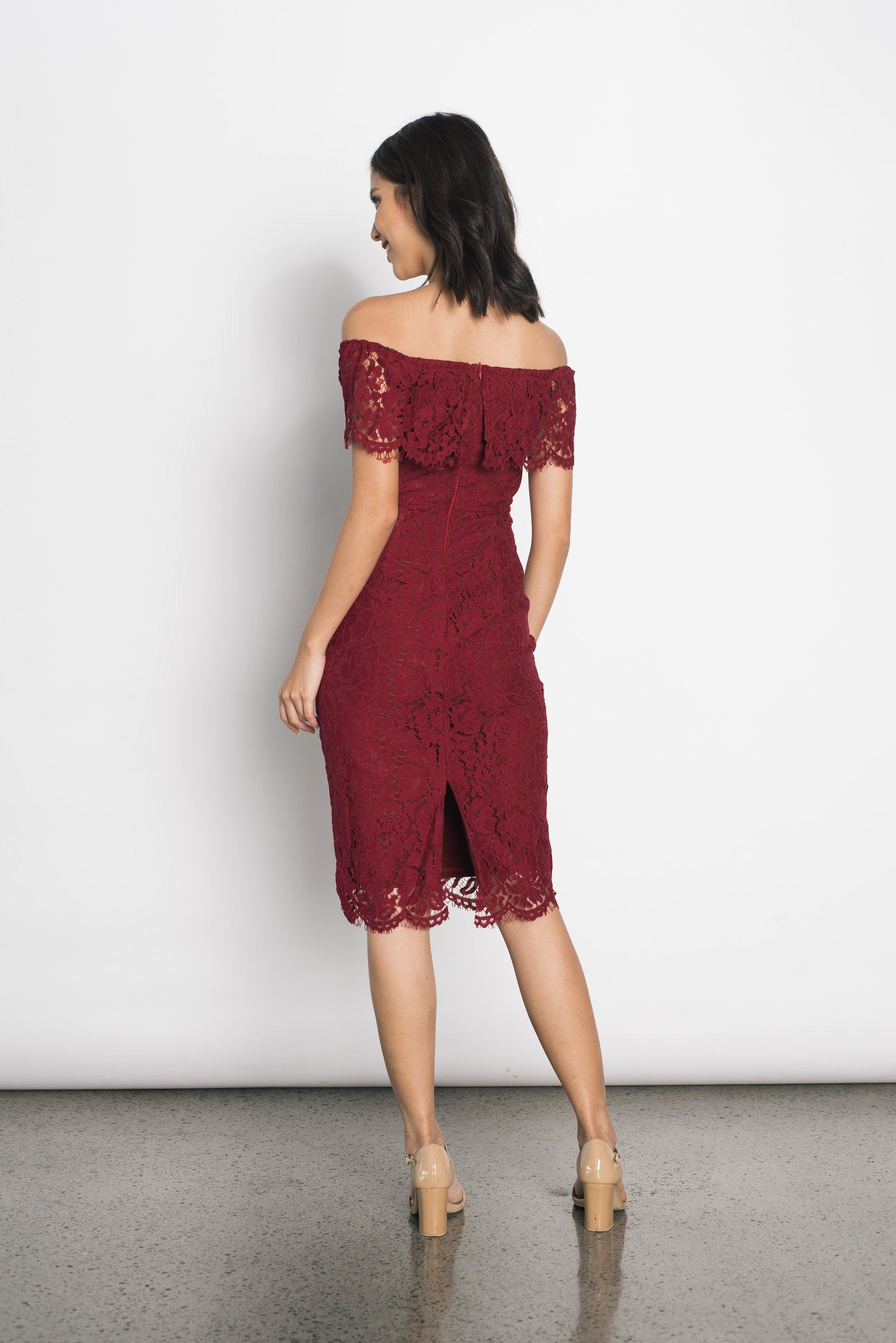 Dea Lace Dress in Maroon