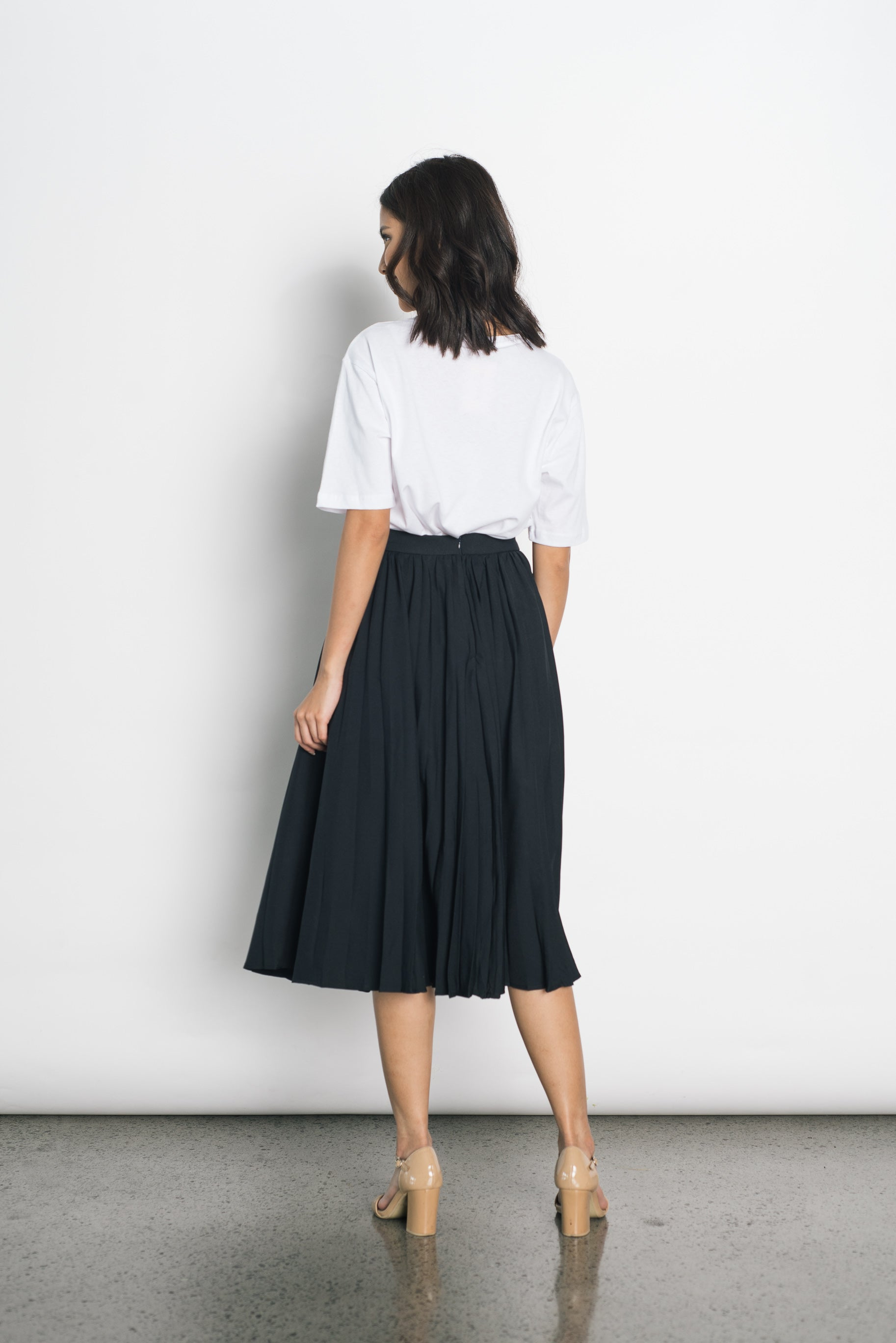 Duena Pleated Skirt in Black