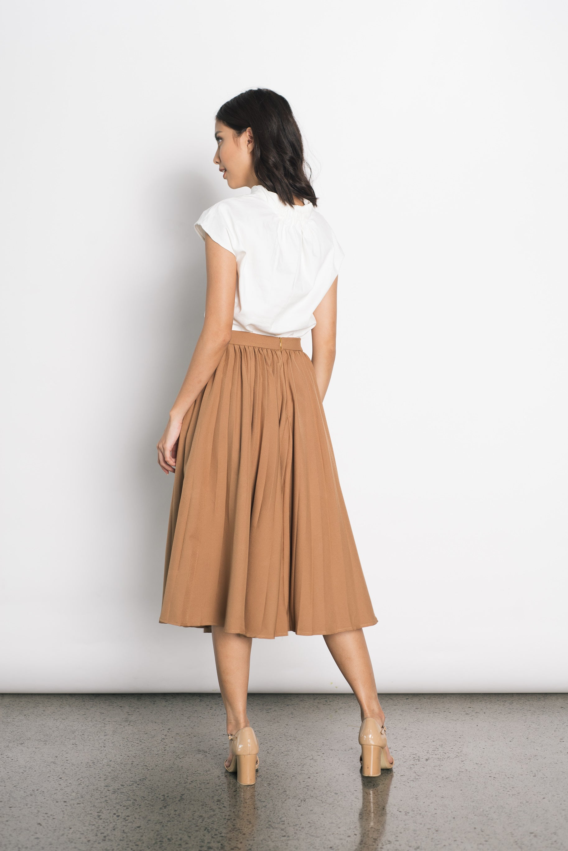 Duena Pleated Skirt in Camel