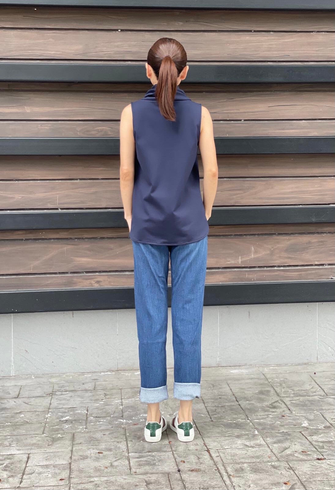 Roslyn Top in Navy