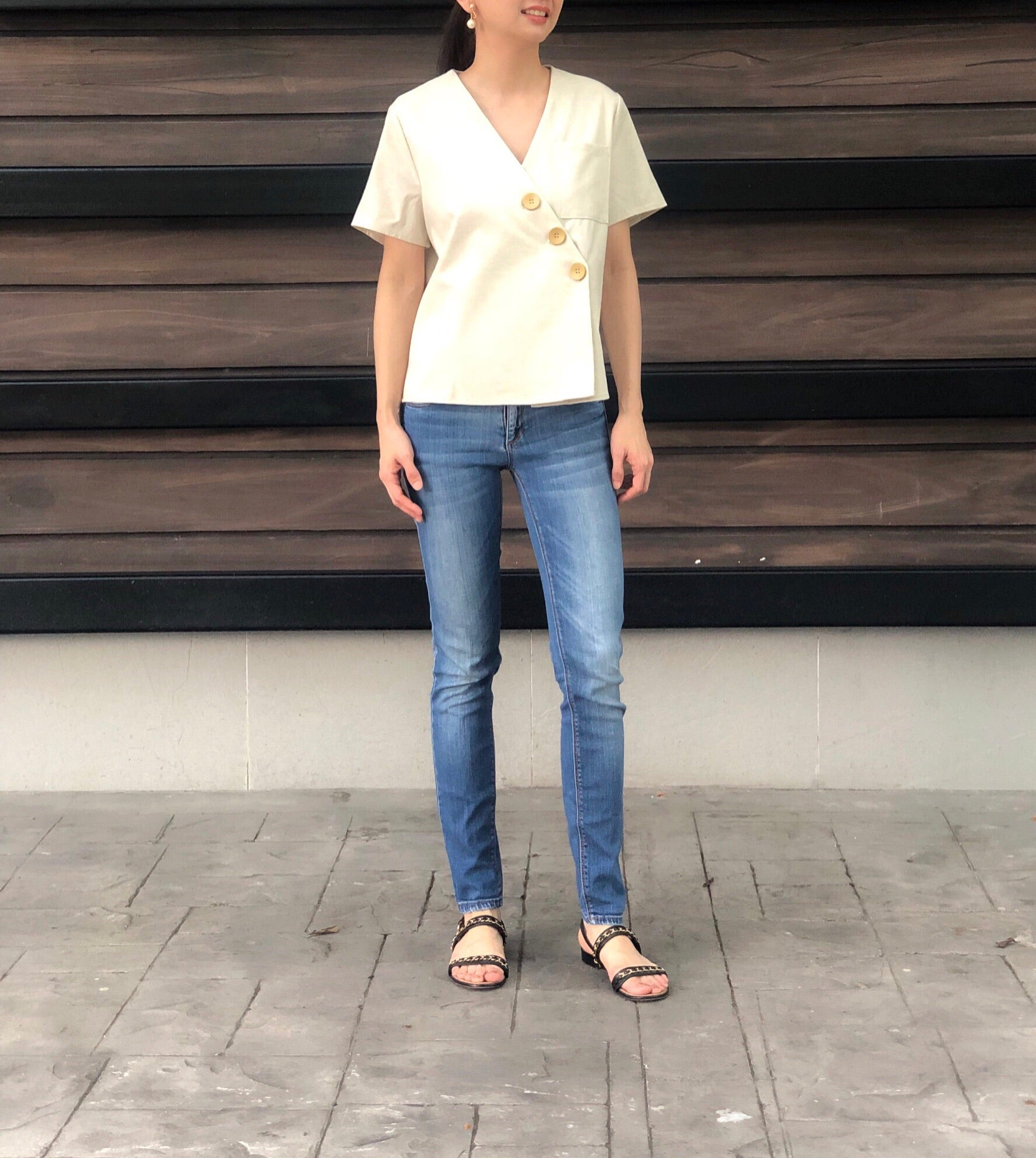 Jytte 3 Button Top in Beige