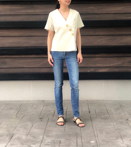Jung 5 Button Top in Beige