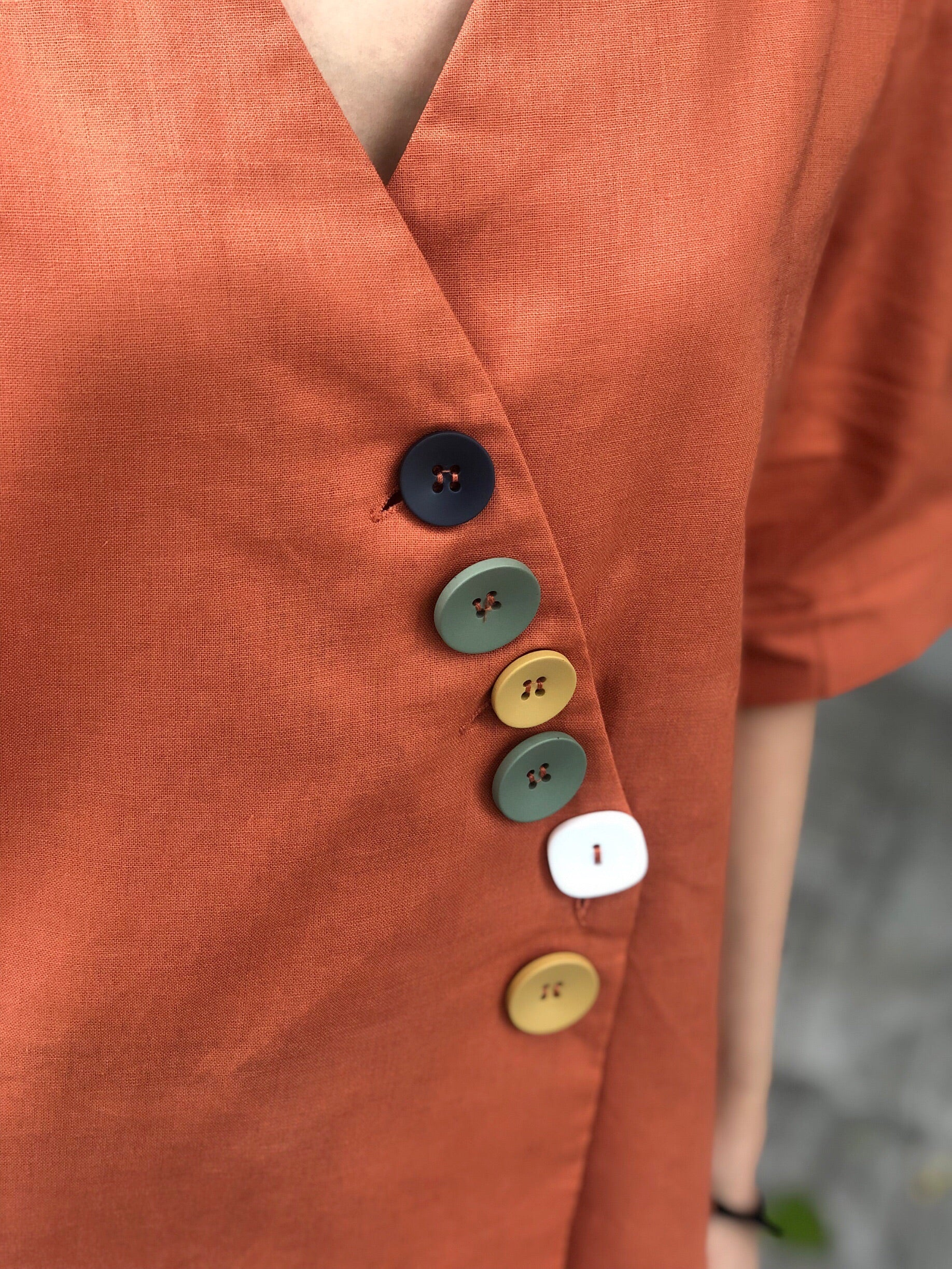Jung 5 Button Top in Rust