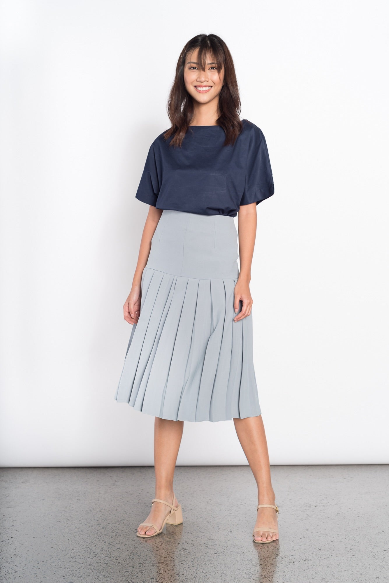 Fedora Mid Pleated Skirt in Blue