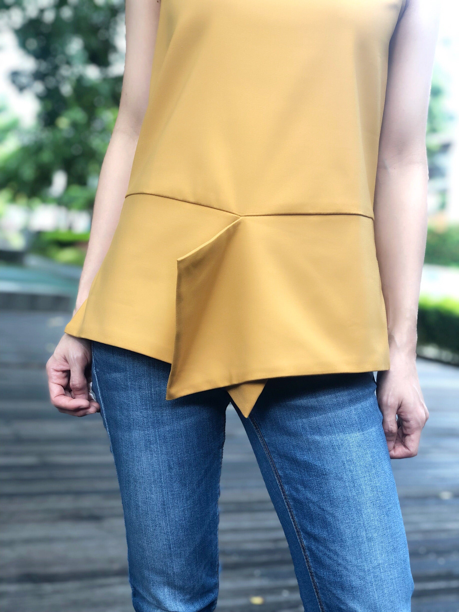 Katrien Sleeveless Top in Mustard