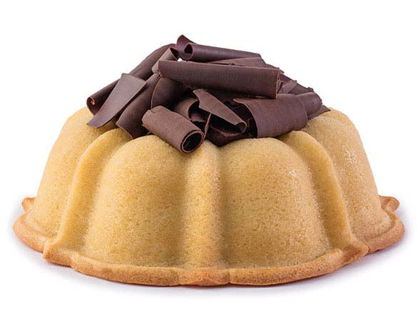 Vanilla pound cake in the shape of a bundt filled with chocolate sauce and topped with chocolate shavings. Serves 12. Oprah's Favorite Things. Packaged in our signature yellow and white striped gift box with a blue bow.
