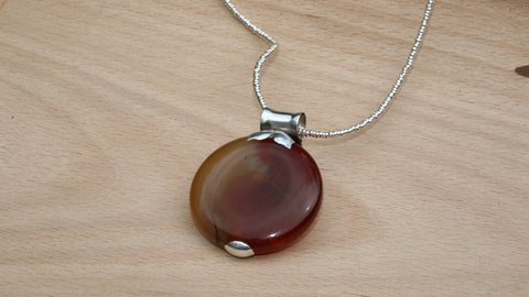 Brown agate pendant in sterling silver