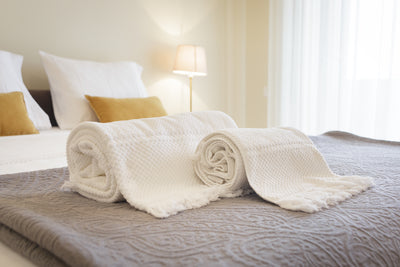 3 Reasons Why Airbnb and VRBO Hosts Should Rent Linens