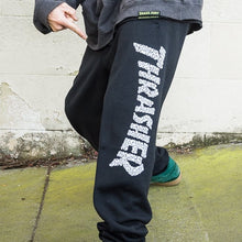 Load image into Gallery viewer, THRASHER Skull Sweatpants BLACK
