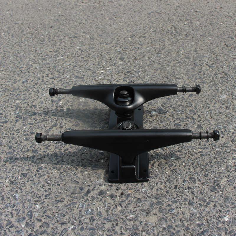 BLANK TRUCKS MATTE BLACK NO LOGO - 5.5″