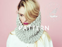 Load image into Gallery viewer, Her Cowl PATTERN - Merino No. 5