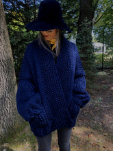 Load image into Gallery viewer, DIY Kit - Recluse Cardigan - Merino No. 5