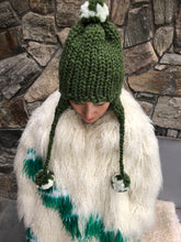 Load image into Gallery viewer, DIY Kit - Aviatrix Two-Tone Pom Pom Hat - Merino No. 5