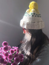 Load image into Gallery viewer, Edelweiss  Pompom Hat  with 3 colors - Merino