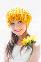 Load image into Gallery viewer, DIY Kit - Mini Moss Stitch Beanie - Merino No. 5