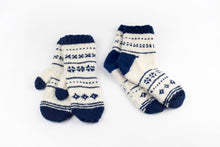 Load image into Gallery viewer, DIY Kit - Nordic Night Mittens - Dream (Merino Worsted)