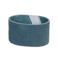 "Norton® 3 1/2"" X 15 1/2"" Very Fine Grade Aluminum Oxide Bear-Tex® STE Blue Non-Woven Surface Finishing Belt"