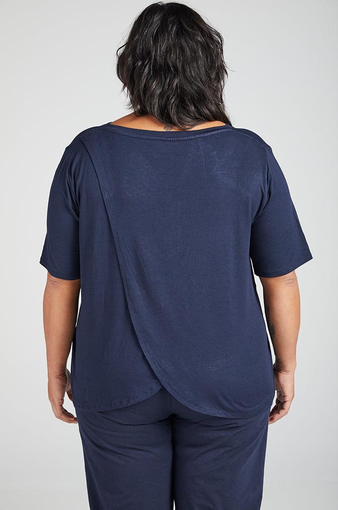 Short Sleeve Leaf Back T-Shirt