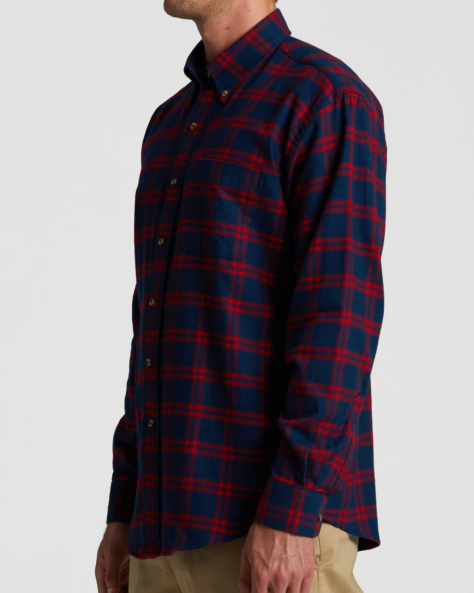 https://cdn.shopify.com/s/files/1/0249/6141/7252/files/Magna_Ready_-_Mens_-_Flannel_-_Blue_Red-fade.mp4?4372