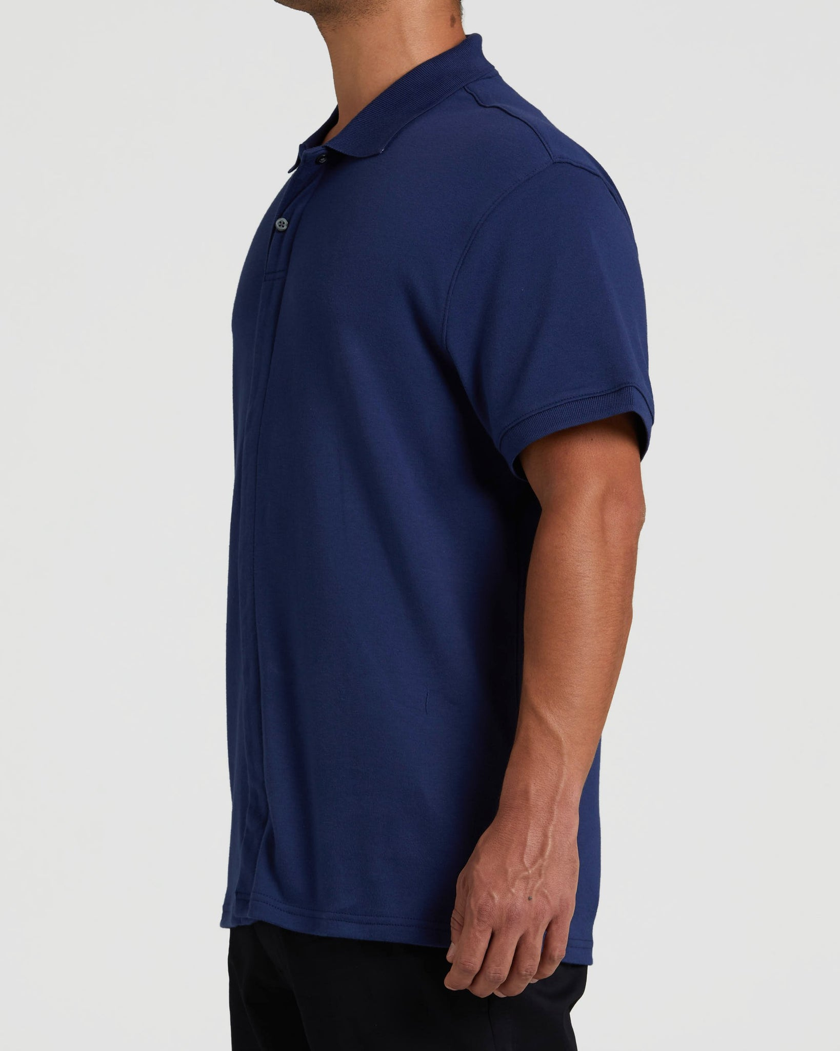https://cdn.shopify.com/s/files/1/0249/6141/7252/files/Magna_Ready_-_Mens_-_Polo_-_Deep_Navy-1-fade.mp4?4372