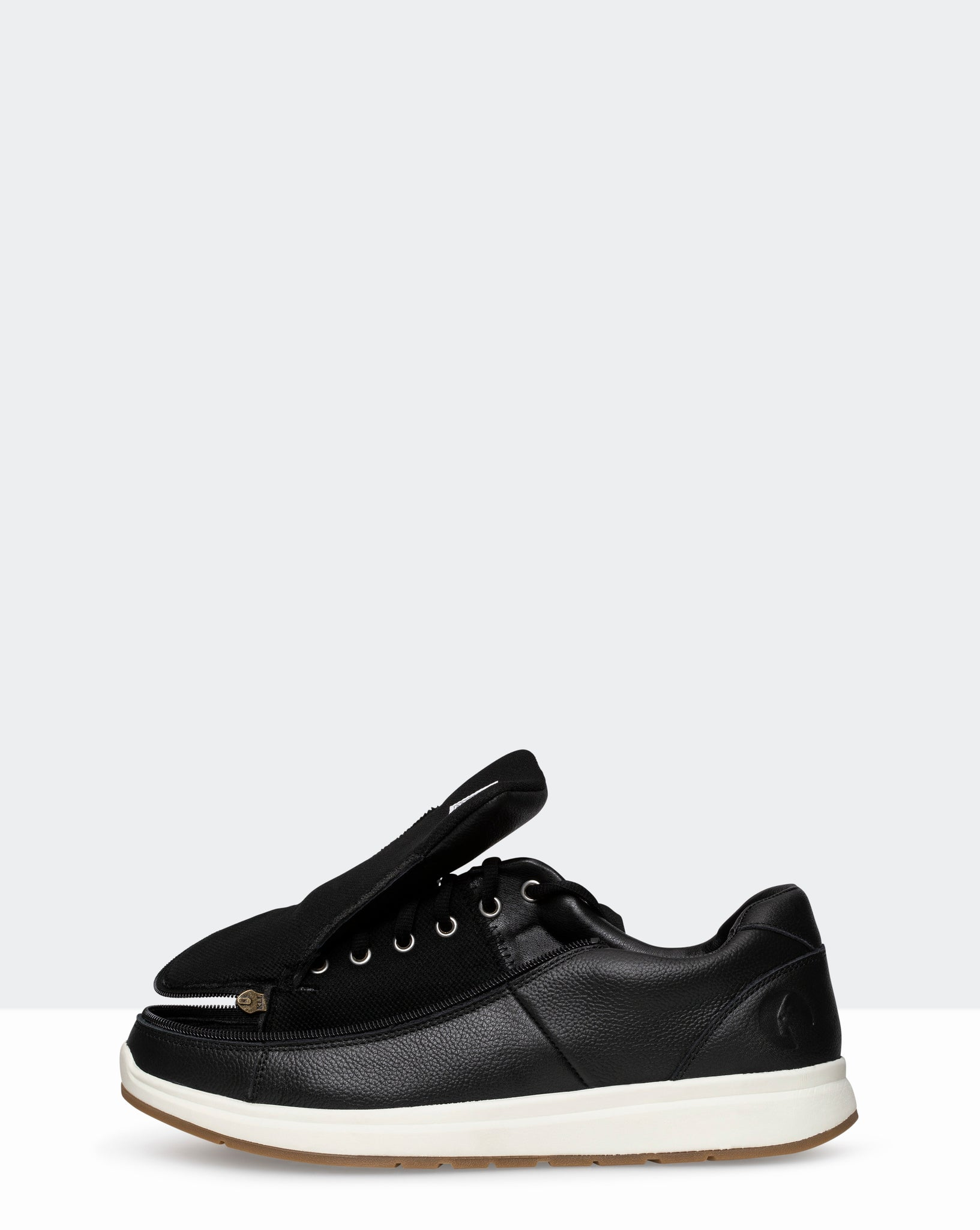 Leather Comfort Wide Sneaker (Men) - Black
