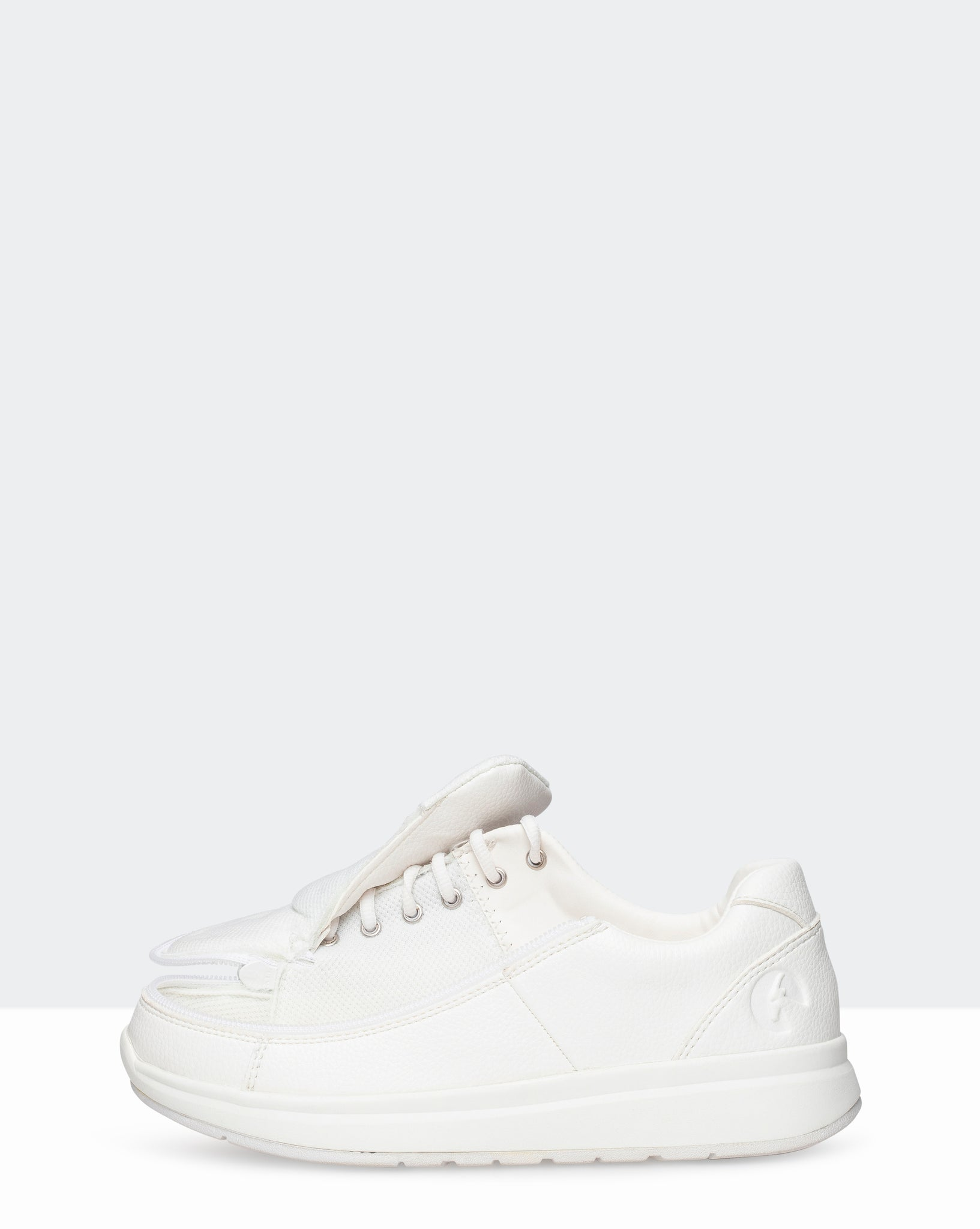 Leather Comfort Wide Sneaker (Women) - White