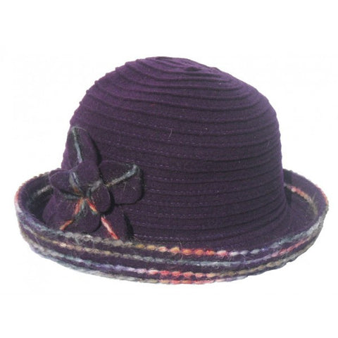 Very fashionable light weight purple hat with colorful border.  Made in Italy.