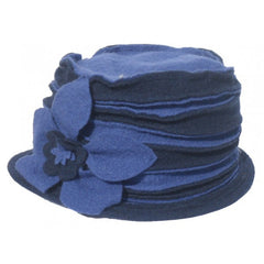 Very comfortable and packable dressy hat. Made of wool material with a bow on the side.  Made in Italy.
