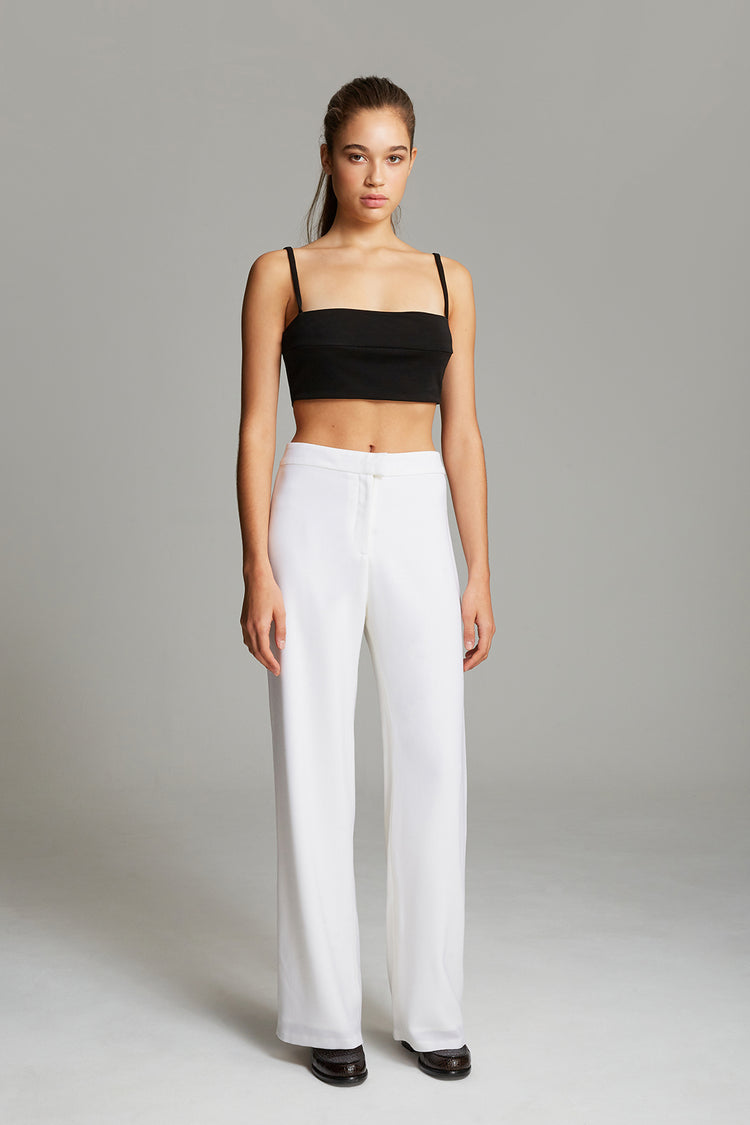 Wide-legged trousers