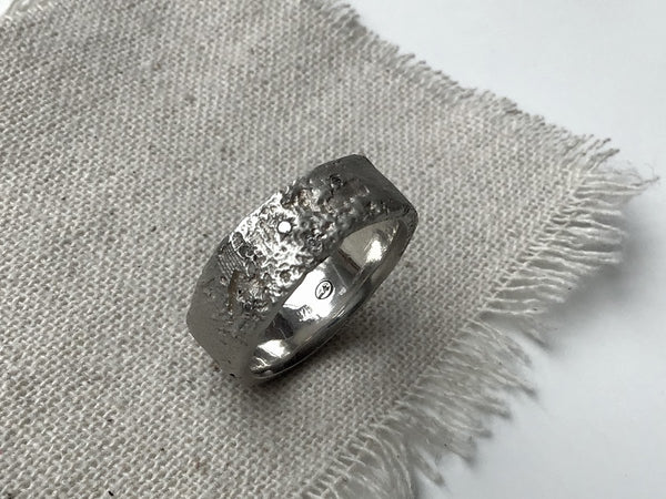 Silk Ring with Gray Diamonds