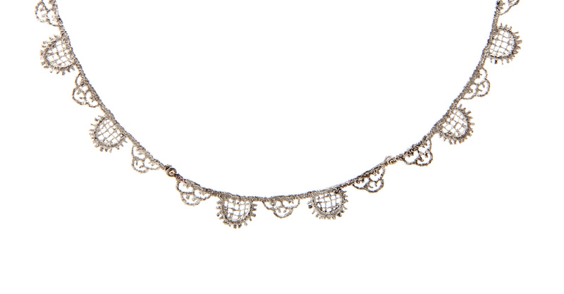 Lace Linear Collar