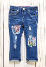 Load image into Gallery viewer, Color Splash Cheetah Patched Jeans