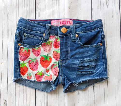 Strawberry Fields Shorts
